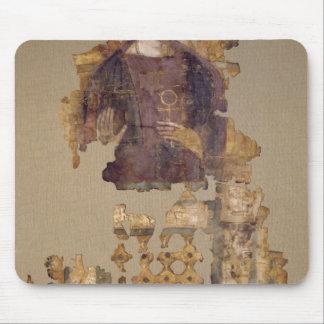 Cubierta que representa a una mujer que lleva a ca tapete de ratones