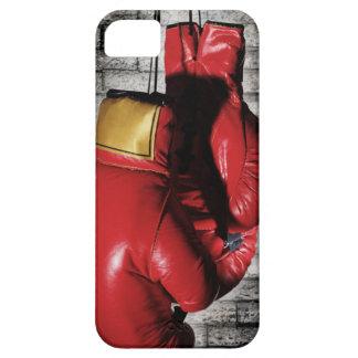 Cubierta roja de la caja de los guantes de boxeo iPhone 5 carcasa