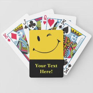 Cubierta sonriente de la cara de tarjetas barajas