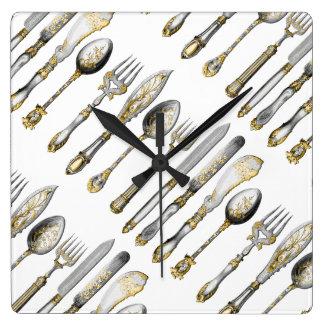 Cubiertos de la cuchara de la bifurcación del reloj cuadrado