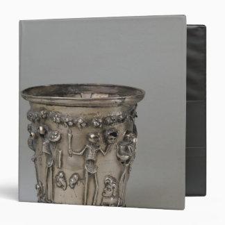 """Cubilete grabado en relieve con los esqueletos que carpeta 1 1/2"""""""