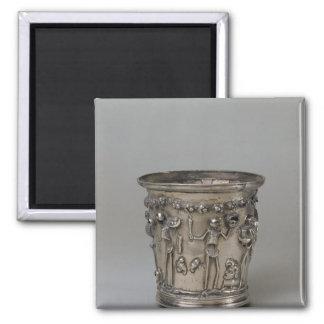 Cubilete grabado en relieve con los esqueletos que imán cuadrado