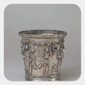 Cubilete grabado en relieve con los esqueletos que pegatina cuadrada