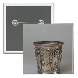 Cubilete grabado en relieve con los esqueletos que pin cuadrado
