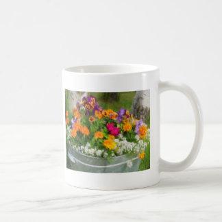 Cubo colorido de flores taza clásica