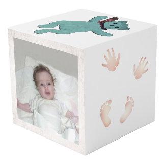 Cubo de la foto del bebé de Leslie Harlow