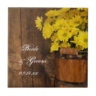 Cubo de madera y boda amarillo del país de las azulejo cuadrado pequeño