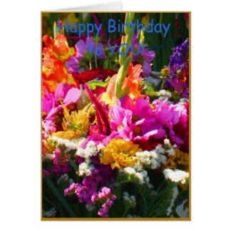 Cubo del cumpleaños de flores felicitación