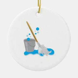 Cubo y fregona adorno navideño redondo de cerámica
