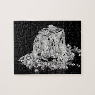 Cubos de hielo que derriten en diamantes puzzles