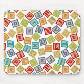 Cubos del alfabeto alfombrillas de raton