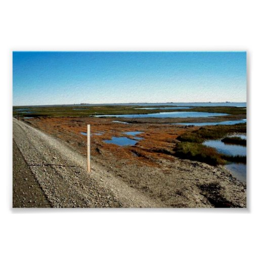 Cubra con grava el camino con los campos petrolífe poster