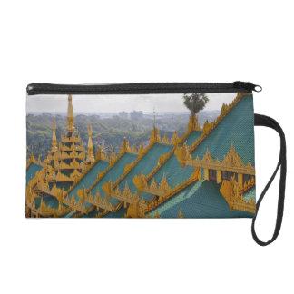 Cubra los tops de la pagoda de Shwedagon, Rangún,