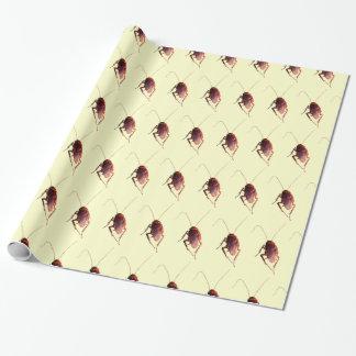 Cucaracha crujiente papel de regalo