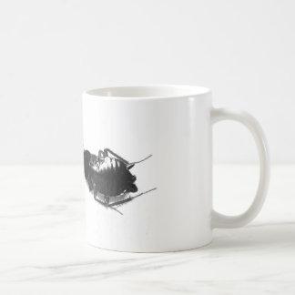 Cucaracha muerta taza