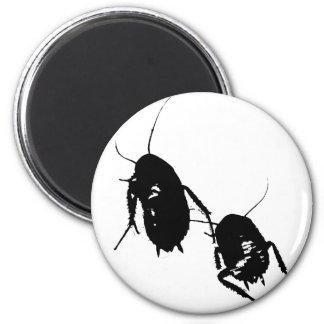 Cucaracha que vaga imán de frigorifico