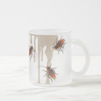 Cucarachas pegajosas de Bugzeez_Icky que gotean la Taza De Café