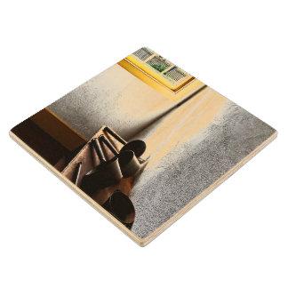 Cucharones en banco posavasos de madera