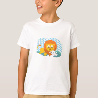 Cuddly lion and lamb resting T-Shirt