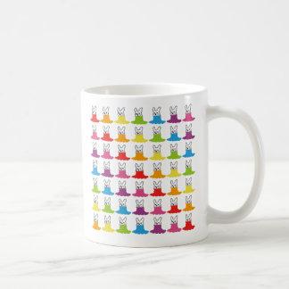Cuello alto sonriente Allstars Rainbow7 del perro Taza Clásica