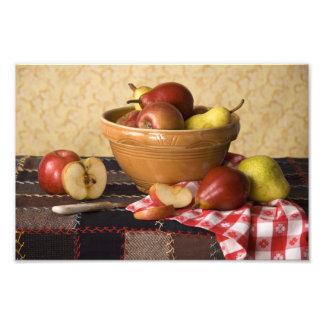 Cuenco 3933 de vida de las manzanas y todavía de l cojinete