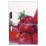 Cuenco de fresas pizarras blancas de calidad
