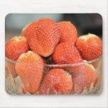 Cuenco de fresas tapetes de raton