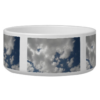 Cuenco del perro de los cielos nublados tazones para perrros