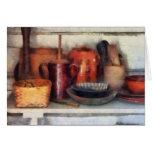 Cuencos, cesta y cucharas de madera felicitaciones