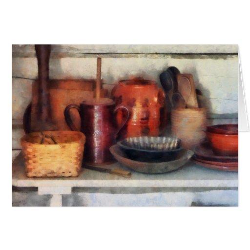 Cuencos, cesta y cucharas de madera tarjeta de felicitación