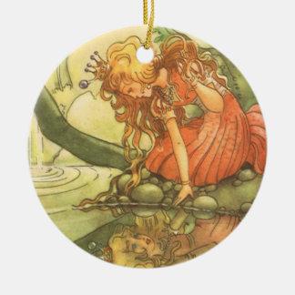 Cuento de hadas del vintage, príncipe princesa de adorno navideño redondo de cerámica