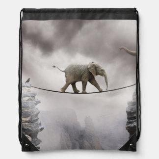 Cuerda tirante de los paseos del elefante del bebé mochila