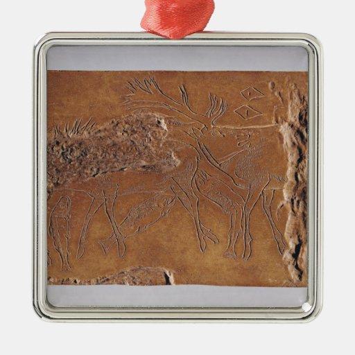 Cuerno del reno tallado con los ciervos y el salto adorno navideño cuadrado de metal