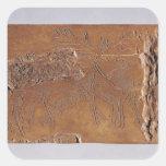 Cuerno del reno tallado con los ciervos y el salto pegatina cuadrada