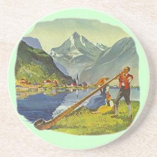 Cuerno largo alpino del alpenhorn de AlpHorn del p Posavasos Diseño