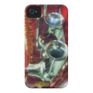 Cuernos y Bell del coche de bomberos Case-Mate iPhone 4 Cárcasa
