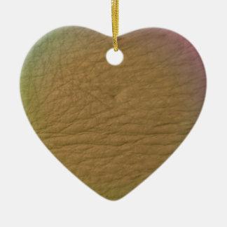 Cuero del arco iris adorno de cerámica en forma de corazón