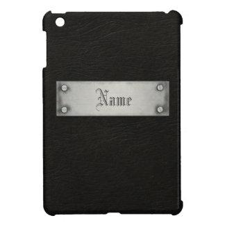 Cuero negro con la placa