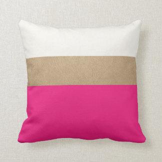 cuero rosado y falso del oro cojin