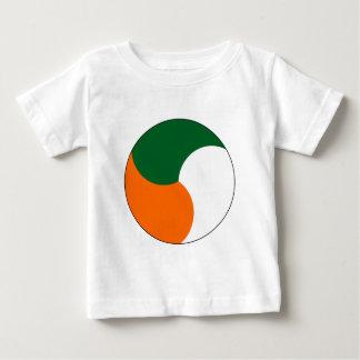 Cuerpo de aire de Irlanda Playera De Bebé