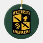 Cuerpo del entrenamiento de oficiales de reserva ornamentos de reyes