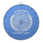 Cuerpo internacional del astronauta tablero dardos