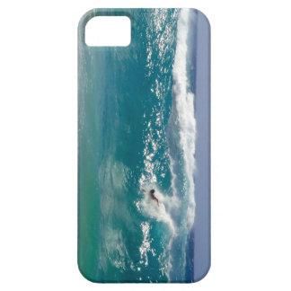 Cuerpo que practica surf la playa de Sandy Funda Para iPhone SE/5/5s