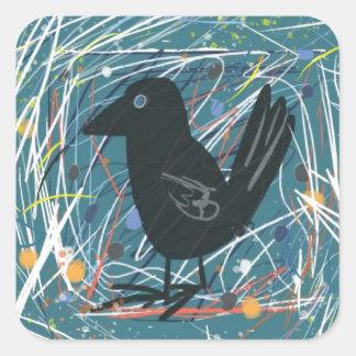 Cuervo con el fondo colorido pegatina cuadrada