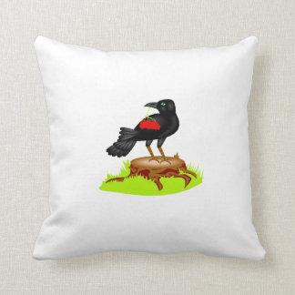 Cuervo con las bayas almohada