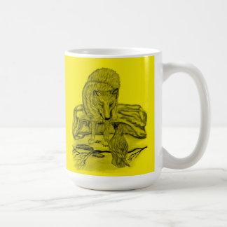 Cuervo con lobo diseño negro amarillo taza de café