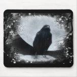 Cuervo de la luna tapetes de ratón