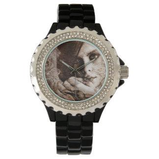 Cuervo del desierto reloj de mano