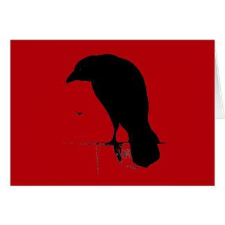 Cuervo del vintage en plantilla roja sangre tarjeta de felicitación