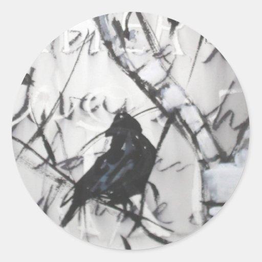 Cuervo en abedul pegatina redonda